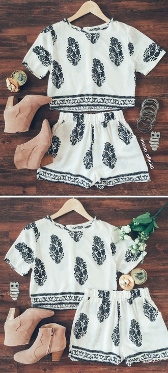 blouse white and black two peice outfit shorts and crop top