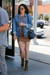 jacket,kylie jenner,celebrity,brown dress,dress,mini dress,casual dress,denim jacket,blue jacket,patchwork,boots,peep toe boots,brown boots,bag,black bag,sunglasses,aviator sunglasses