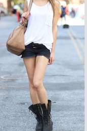 bag,shoes,shorts,t-shirt,short,boot