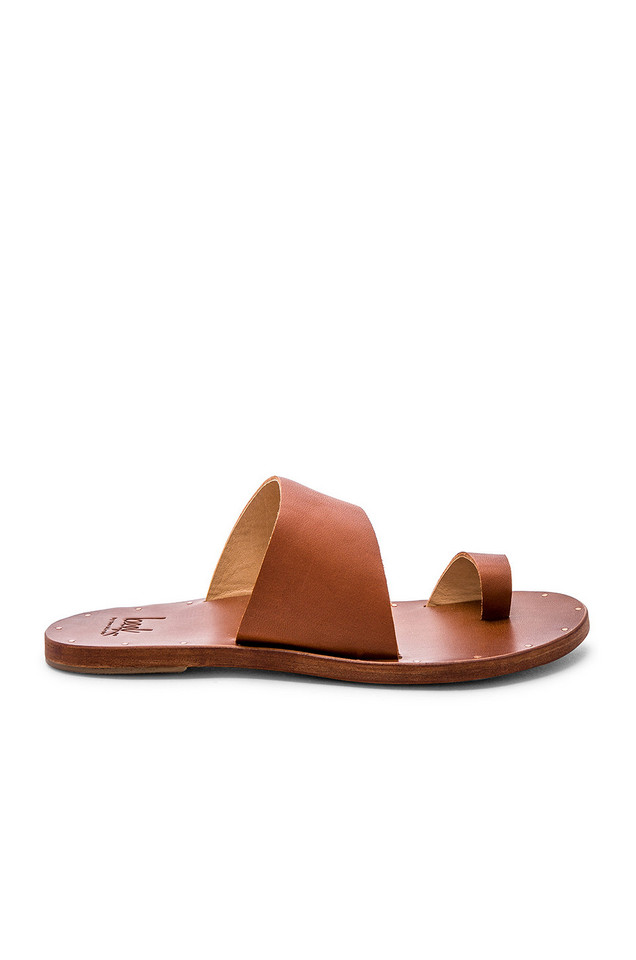 Beek Finch Sandal in tan