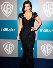 dress,kim kardashian,beautiful,sparkle,lace dress,lace,cute,pretty,black,black dress,long dress,prom,tight,slim,curvy,boobs,cleavage,glitter