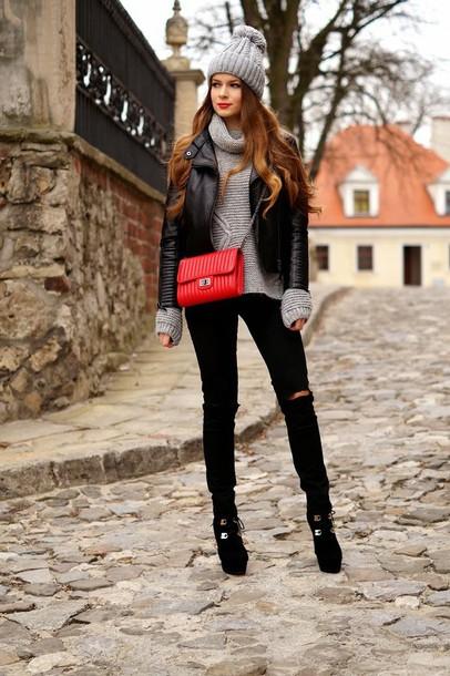 only my fashion style blogger grey sweater pom pom beanie black jacket red bag sweater jacket pants bag grey beanie