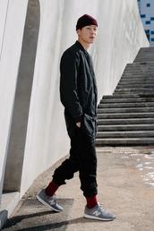shoes,sneakers,grey sneakers,low top sneakers,new balance,pants,menswear,mens sneakers,mens jacket,mens beanie