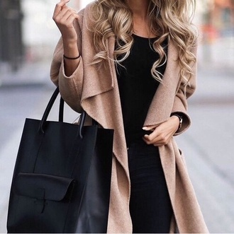 black bag coat trench coat outerwear jacket bag matte black shoes beige city outfits camel coat long coat leather tote bag camel fall coat waterfall coat beige coat