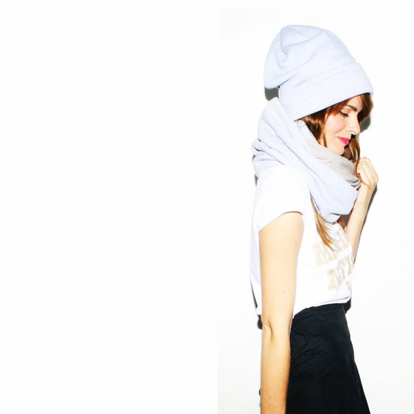 scarf snood beanie winter outfits warm knit knitwear grey grey light grey cold skiing elegant soft cozy hat MINTFIELDS