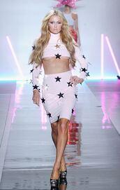 skirt,christian cowan,top,stars,two-piece,paris hilton,runway,ny fashion week 2017