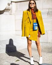 coat,blazer,yellow blazer,corduroy,white boots,skirt,blue bag,streetstyle