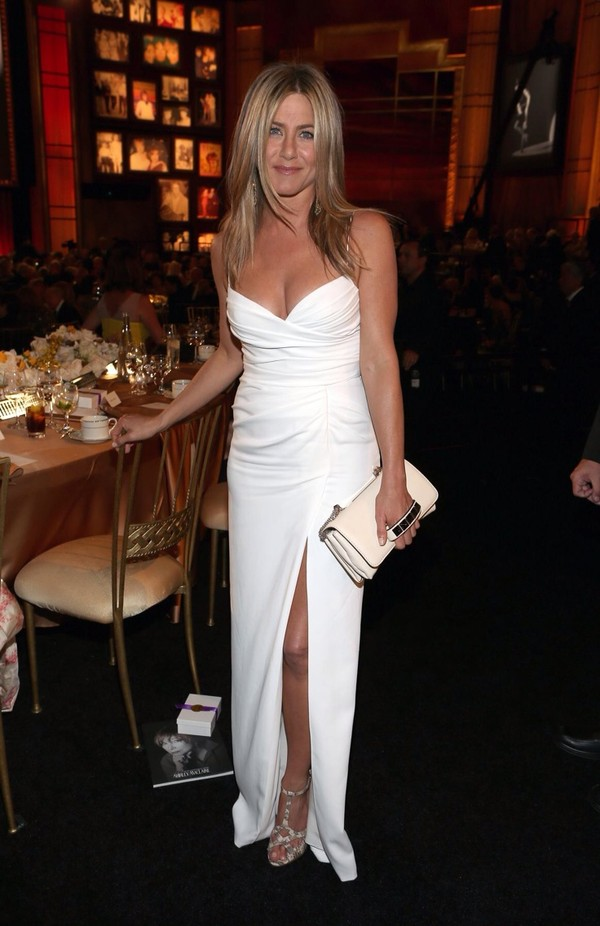 dress jennifer aniston