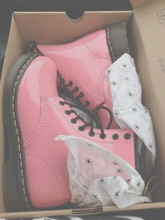 shoes pink docs boots pastel drmartens