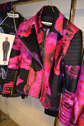 jacket,blazer,roses,floral,biker jacket,leather jacket,beautiful,perfecto,floral jacket,katieeary,highfashion,pink black,katie eary,pink,coat,modern,pink jacket,black leather jacket,girly,style,cute,short,fashion,fashion jacket,spring jacket,red and pink jacket