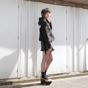 jacket,black,hoddie,japan,japanese fashion,streetstyle,skirt,shirt,fashion,grunge,kawaii grunge,soft grunge,pale grunge,platoforms,underwear
