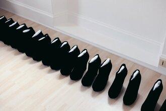 shoes black talons compensés