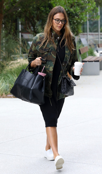 dress midi dress black dress jessica alba camouflage camo jacket streetstyle fall outfits jacket