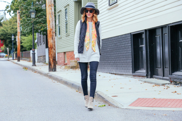 prosecco and plaid blogger jeans jacket bag jewels sunglasses scarf