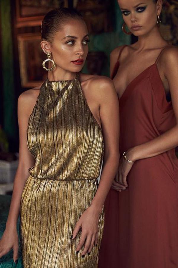 dress, metallic, gold, nicole richie, gown - Wheretoget