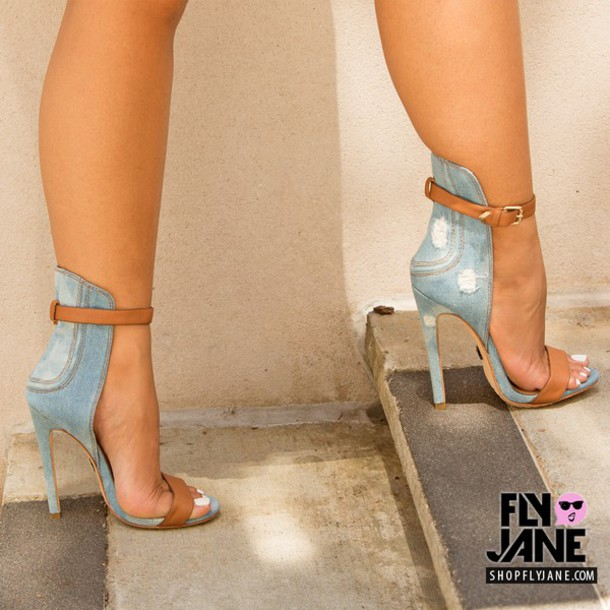 emily-b-launches-new-shoes-at-fly-jane
