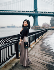 mimi & chichi blog,blogger,skirt,t-shirt,bag,tights,shoes,maxi skirt,shoulder bag,winter outfits