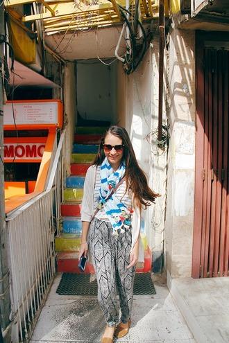 pants pattern black and white