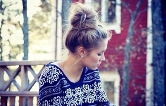 sweater blue white knitwear jumper cold deer tumblr exotic stamp print hipster bun blonde hair hair hair bun fall outfits winter outfits christmas thanksgiving holidays pattern cozy warm girl women female teenagers december november season weather blouse blue shirt pretty aztec shirt top cute cute sweaters hippie chic high waisted shorts indie vintage vintage boots rock and filigree blue sweater