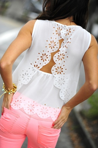 blouse white scalloped shirt white tank top tank top scallop scalloped top open back lace lace scalloped flowers pink pants shirt t-shirt floral cutout cut-out