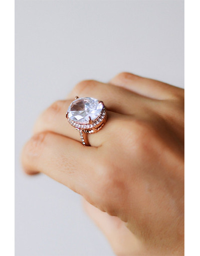 Huge diamond ring rose gold big oval egg shaped diamond finger zirconia