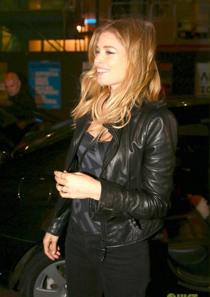 black leather jacket leather jacket doutzen kroes jeans t-shirt