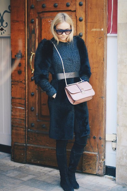 en vogue coop blogger fur shoulder bag winter coat texture