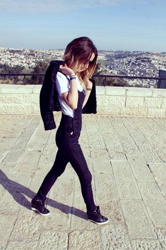 lilissss blogger denim overalls white t-shirt wedge sneakers