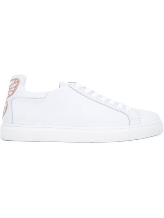 classic sneakers lace white shoes