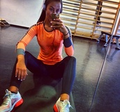 orange,workout,black thights,trainings tights,sweater