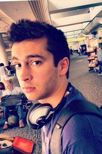 earphones tyler joseph celebrity singer headphones
