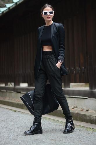 fashion vibe shoes jacket pants t-shirt bag coat jewels black edgy