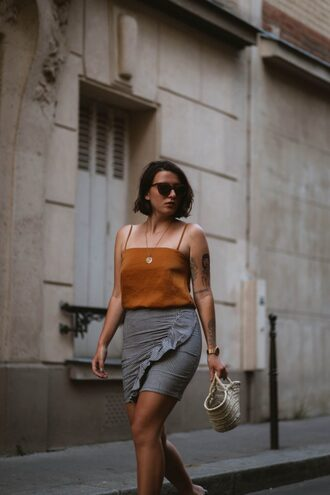 sophie van daniels fashion & lifestyle blog with an addiction to interiør design blogger top skirt sunglasses jewels shoes basket bag mini skirt tank top summer outfits