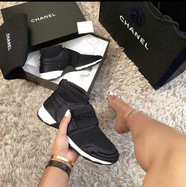 Get the shoes for at Wheretoget