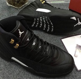 shoes black jordan's