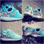 shoes,flowers,blue,pretty,nike,nike roshe run,nike running shoes,coral,nike rhinestone jordans,floral nike shoes,nike roshe run floral,baby blue,roshe runs,turquiou,floral,run