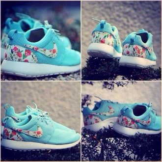 shoes flowers blue pretty nike nike roshe run nike running shoes coral nike rhinestone jordans floral nike shoes floral roshe runs baby blue