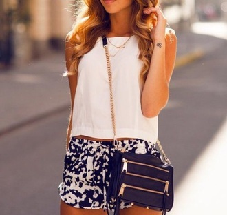 bag black gold pocket pockets zip chain hipster leather classy style crossbody shorts