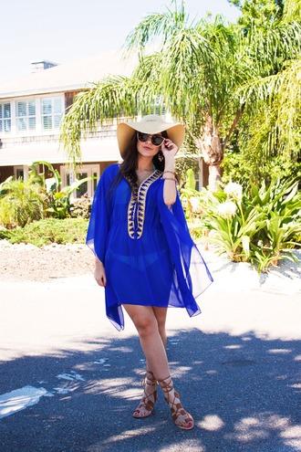 carly maddox blogger blue royal blue tunic sun hat sandals