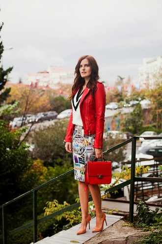 the bow-tie blogger jacket bag v neck stilettos office outfits perfecto