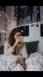 home accessory,bedding,blanket,flowers,shabby chic duvet cover,cozy,dorm room