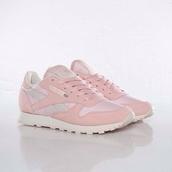 shoes,pastel pink,reebok classic,Reebok,reebok shoes,pastel,sneakers,pastel sneakers,urban pastel pink