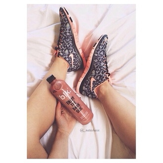 shoes leopard nikes leopard print pink free runners