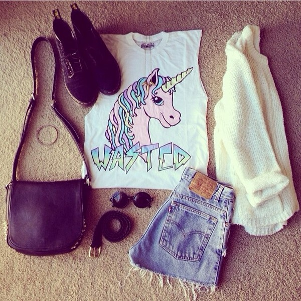 shirt crop tops top unicorn levi's shorts shoes fantasy vintage hipster bag bag t-shirt round sunglasses sweater