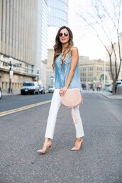 maria vizuete,mia mia mine,blogger,bag,shoes,sunglasses,denim top,pink bag,shoulder bag,nude heels,white pants