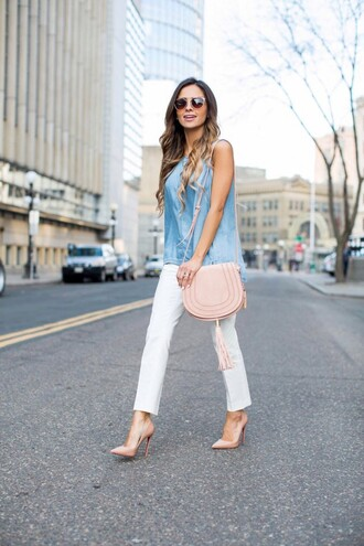 maria vizuete mia mia mine blogger bag shoes sunglasses denim top pink bag shoulder bag nude heels white pants
