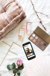 make-up,perfume,tumblr,makeup palette,eye shadow,flowers