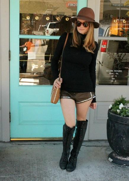 tohellinahandbag blogger shorts shoes bag sunglasses socks jacket felt hat black sweater knee high boots shoulder bag spring outfits