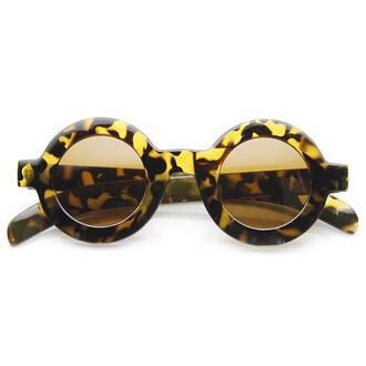 sunglasses round round sunglasses tortoise tortoise shell tortoise shell sunglasses