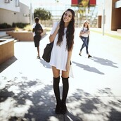 over knee socks,white t-shirt,white,longshirt,long socks,black,oversized t-shirt,socks,oversized